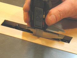 Dado blade - setting the initial height of the dado cutter.