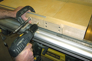 The area to the right of the rip fence is suitable for a table saw router table.
