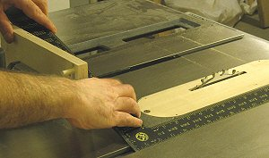 Box joint jig - square fence to t slot.