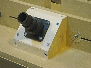 Router table fence - dust collection port.