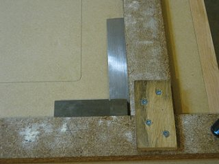 Checking the router table insert template              for square.