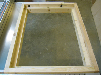 Table saw router table--the finished frame.